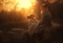 семейная фотосессия на закате весной